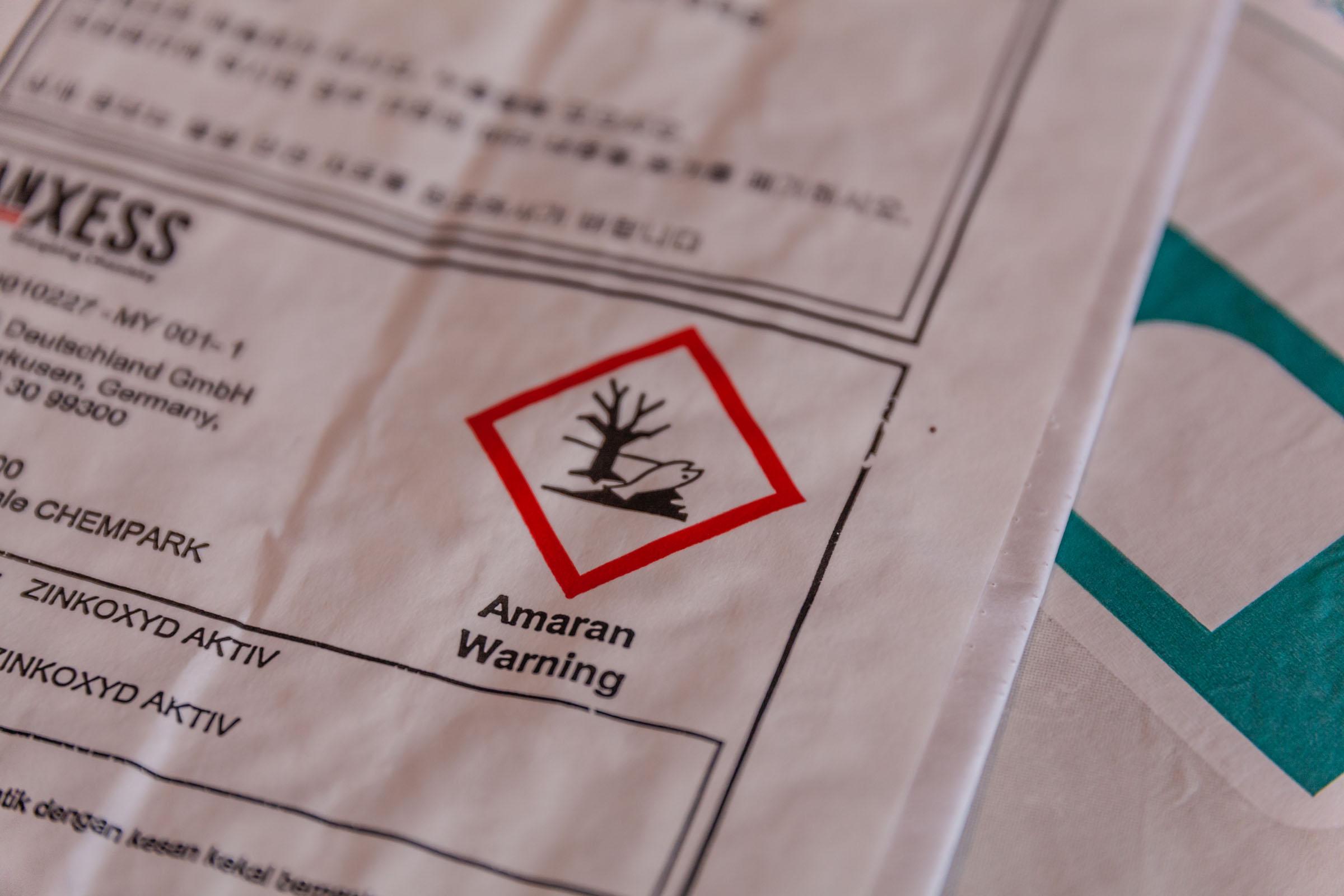 Gefahrengut-Warnung auf TENAX-Papiersack